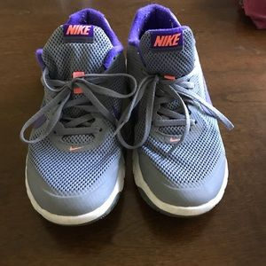 Gray Nike Flex Experience RN4 Sneakers Size 8